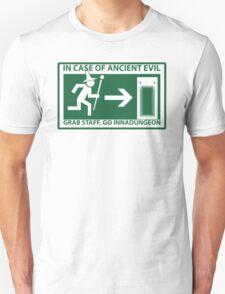 Grab Staff, Go Innadungoen Unisex T-Shirt