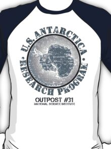 John Carpenter's The Thing (Outpost 31)  T-Shirt