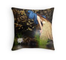 Ofelia se asoma Throw Pillow