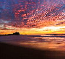 Nobbys Beach, Newcastle by monkeyfoto