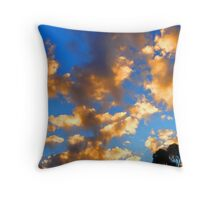 Evening sky show Throw Pillow