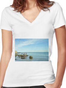 Rock Pool Fishing, Runswick Bay Women's Fitted V-Neck T-Shirt