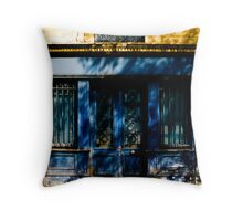 Maison bleue Throw Pillow