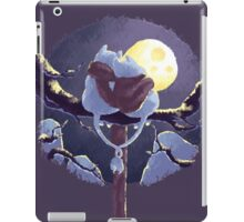 Moomins: Cuddling Moon iPad Case/Skin