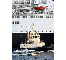 Escorting the QE2 Photographic Print
