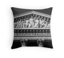 l'église Sainte-Marie-Madeleine Throw Pillow