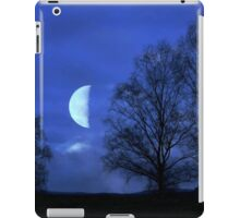Moon between Trees - JUSTART © iPad Case/Skin