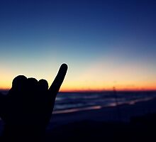 hang loose sunset by lilaferraro
