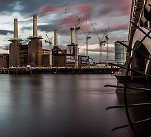 Battersea Power Station by Mark  Nangle