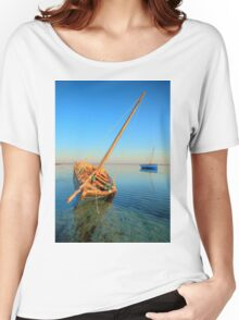 Dhow in the shallow turquoise water Women's Relaxed Fit T-Shirt
