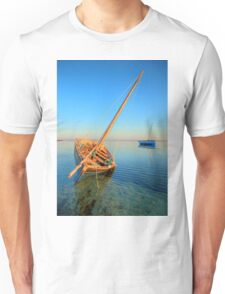 Dhow in the shallow turquoise water Unisex T-Shirt