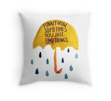 """HIMYM: """"Funny how"""" Throw Pillow"""