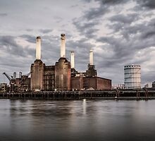 Battersea Power Station by Vincent Sluiter