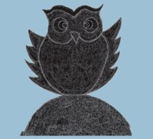 Frizzy-curly owl in black and white on pale background Kids Clothes