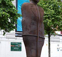 the Iron man Birmingham city centre England by kitza