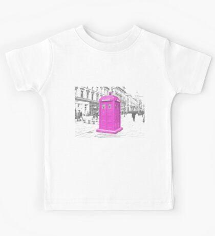 Pink Tardis  Kids Tee