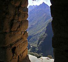 Macchu Picchu Viewpoint by Inishiata