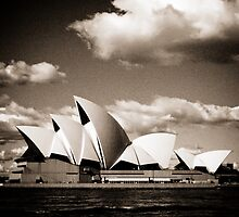 Sydney Opera House by Kelly McGill