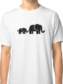 Elephant family Classic T-Shirt