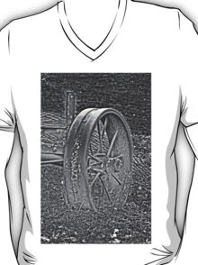 Wagon Wheel Black and White Gray Old Antique Abandoned Photograph T-Shirt