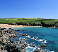 Poldhu Cove by cwwphotography
