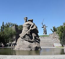 Monument to soldiers to the defenders  of Stalingrad by mrivserg
