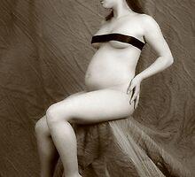 statue like  by Ellie Blum