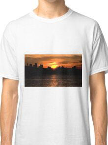 When The Sun Goes Down In The City Classic T-Shirt