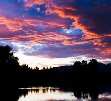 Sunset of Como Lake by iceeyes