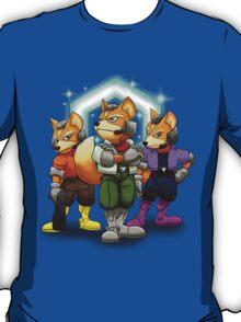 Fox Victory Pose T-Shirt  T-Shirt