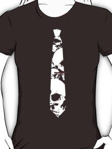 Wearing tie kills T-Shirt