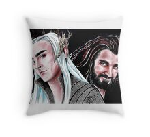 Thorin vs Thranduil Throw Pillow