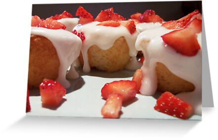 Strawberry-Topped Cupcakes by Lunchbox