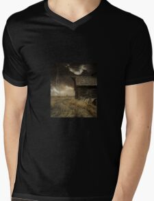 Lightning Hut Mens V-Neck T-Shirt