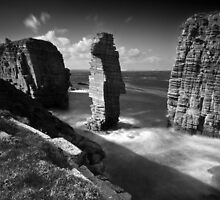 Sea Stacks at Castle Sinclair Girnigoe by Roddy Atkinson