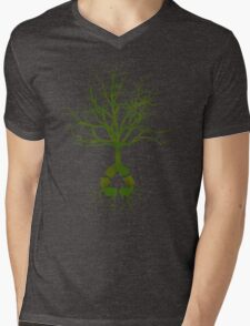 ITS EASY BEING GREEN Mens V-Neck T-Shirt