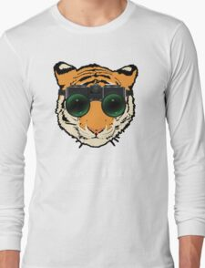 THAT TIGER HAS NIGHT VISION GOGGLES? - The Interview (Dark Background) Long Sleeve T-Shirt