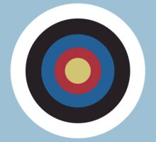 Bulls Eye, Right on Target, Roundel, Archery, on Blue T-Shirt