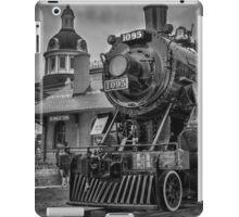 Engine 1095 II - B&W iPad Case/Skin