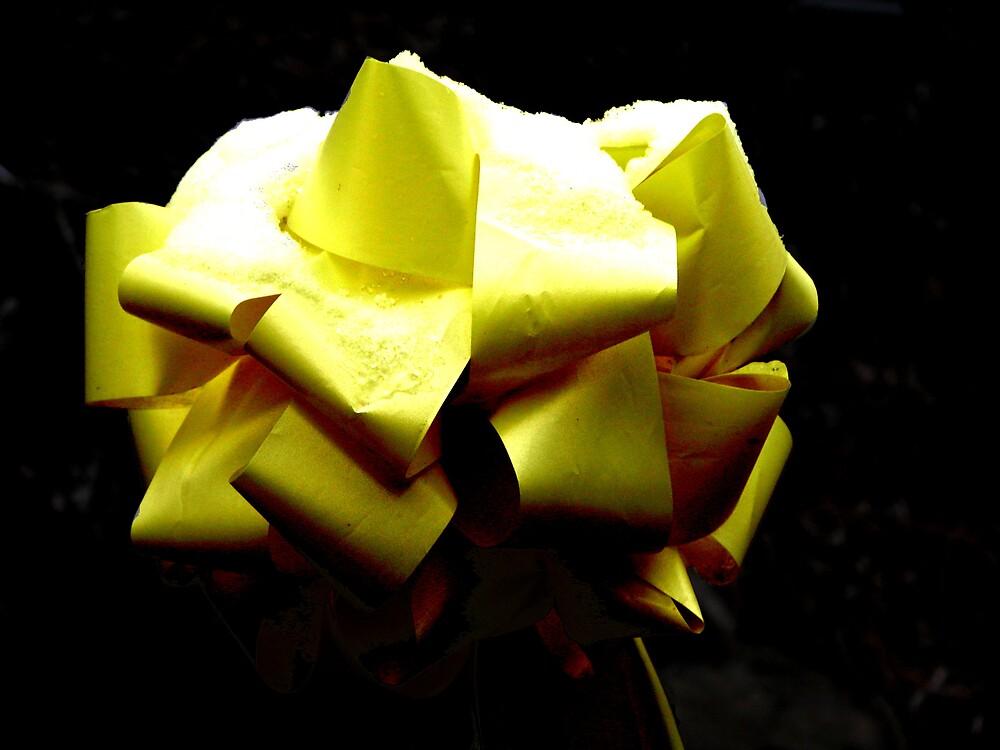 Yellow ribbon by amathers