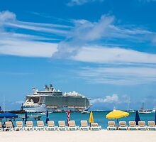 Cruise Ship in St Martin by dbvirago