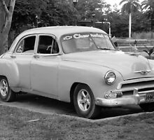 Car in Cuba by Anne Scantlebury