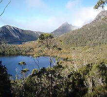 Lake Lilla and the iconic Cradle Mt, Tasmania, Australia by gaylene