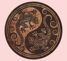 Rough Wood Grain Effect Yin Yang Geckos One Piece - Short Sleeve