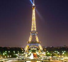 Eiffel Tower, Paris by chord0
