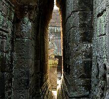 Angkor ruins by Juha Sompinmäki