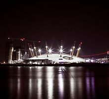The O2 Arena - London by Vincent Sluiter