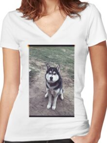 00355 Women's Fitted V-Neck T-Shirt