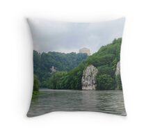 Donaudurchbruch Weltenburg Throw Pillow
