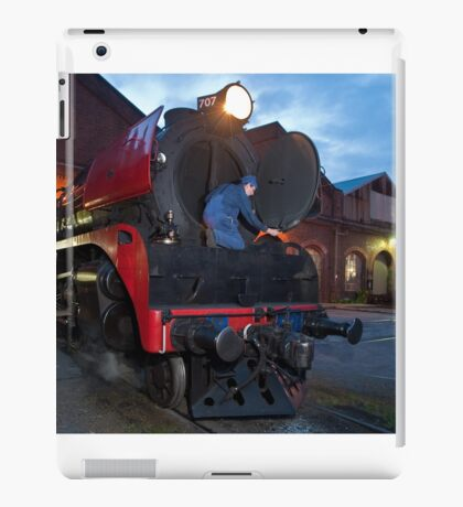 0822 End of day maintenance iPad Case/Skin